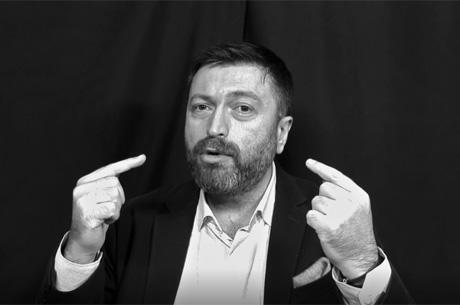 Serdar Kuzuoğlu 'Bazen Çalışma Odama Kapanıp Saatlerce Konuşuyorum'