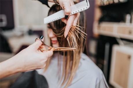 Ünlülerin Kuaförü: 2021 Saç Trendlerinde 'Iddialı Doğallık' Öne Çıkıyor