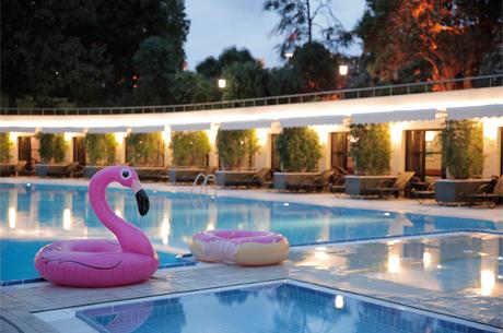 Yazın En Cool Havuz Partisi