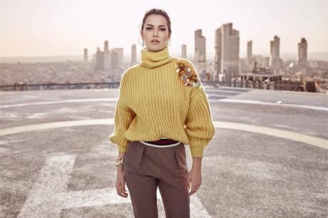 254b0dcd2fd9c Evcen, 'Şimdi Yumuşacık Trikolar Moda' sloganıyla moda severlerle buluşan  reklam filminde Koton'un 2017-2018 Sonbahar-Kış koleksiyonunda yer alan  rengarenk ...